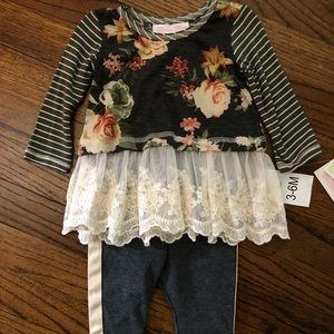 Bonnie Jean Matching Sets - NWT  two piece long sleeve tunic and pants